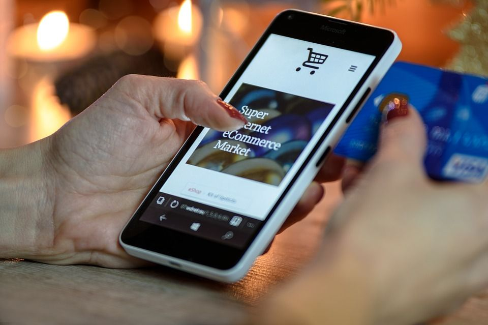 Mobile will lead ecommerce this holiday season - are you ready?